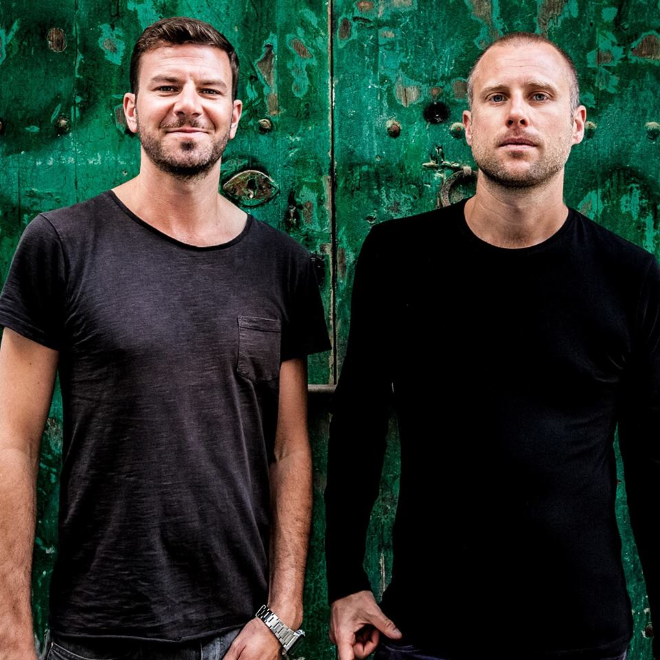 Audiojack - Inside My Head (Original Mix) [TECH-HO-- USE] Reaching number one on the Beatport Charts.The Ibiza-based, Leeds-raised duo Audiojack bring their euphoric tech-house banger 'Inside My Head'.